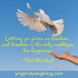 White-Dove-flying---HanhYY