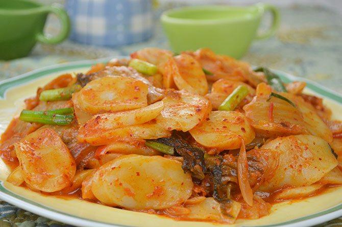 rice cake, kimchi, Korean Kimchi, spicy Kimchi, red hot pepper paste
