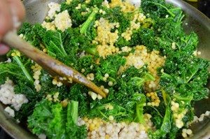 Mix-Curry-into-Califlower-and-Kale