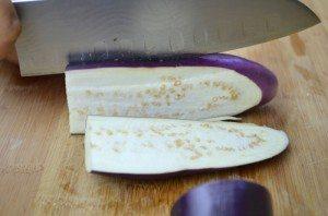 5.CuttingEggplants3(resized)